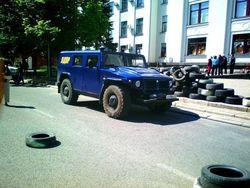 """Сепаратисты Луганска получили джип """"Тигр"""" от Жириновского"""