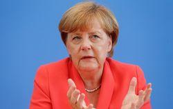 Меркель считает фейком обвинения Кремля в невыполнении Киевом Минска-2