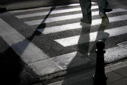 В Ташкенте милицейская машина сбила троих пешеходов