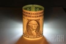 Курс гривны к доллару начал стремительный обвал на межбанке Украины