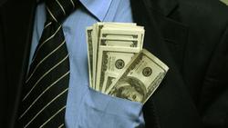 Минфин России лоббирует разрешение на выплату зарплат в валюте