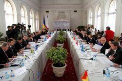 Западные области Украины и Киев бойкотировали форум облсоветов в Крыму