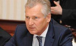 На смену Азарову может придти правительство украинского единства - Кокс