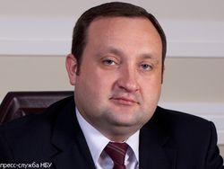 Арбузов поразил гостей саммита в Вильнюсе немногословием и обилием охранников