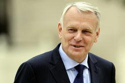 Президент Франции меняет премьера после провала на муниципальных выборах