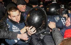Майдан опровергает информацию МВД Украины о похищении милиционеров
