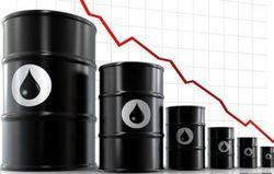 Эксперты не исключают падения цены на нефть ниже 40 долларов