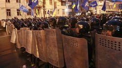 В Украине нет гражданской войны, есть грязная война спецслужб РФ – Луценко