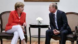Меркель просит Порошенко вступить в прямые переговоры с сепаратистами