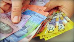 Сильный курс доллара продолжает снижаться против австралийца на Форекс на 0,14%