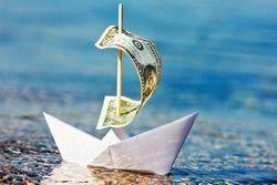 В апреле из банков РФ сбежало 10,6 млрд. долларов