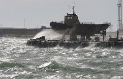 На Керченской переправе вновь объявили штормовое предупреждение
