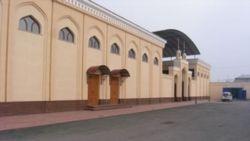 В мечетях Узбекистана снимают баннеры со строками из Корана