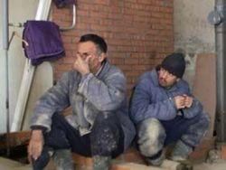 Беспредел: в Узбекистане рабочих прииска сгоняют на «субботник» ради строительства кафе