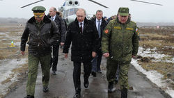 Пока Запад болтает, Путин действует – WSJ