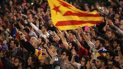 За независимость Каталонии выстроилась 400-километровая живая цепь
