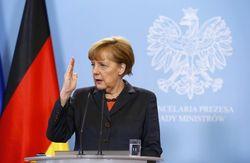 Меркель: Германия не изменит Конституцию из-за беженцев
