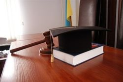 СМИ назвали тарифы киевских судей за благополучное решение дел