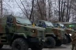 Турчинову показали мобильные командные центры и казармы для зоны АТО