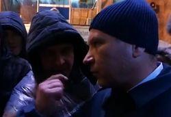 Депутата от ПР попросили подкинуть дровишек и едва не обдали газом