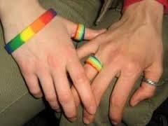 Мэры французских городов продолжают отказываться регистрировать однополые браки