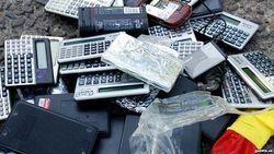 Мобильные телефоны, сданные перед входом на вступительные экзамены в ВУЗ, возвращают абитуриентам по рыночной цене
