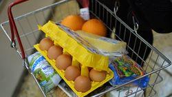 Продукты питания и отдых – главные статьи экономии россиян