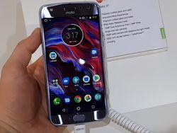 Двойная камера и не боится воды: представлен смартфон Moto X4