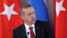 """Армия Турции объявила себя """"вне политики"""""""