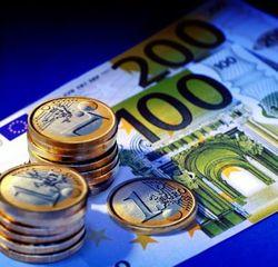 Курс евро на Forex повысился к доллару в начале дня