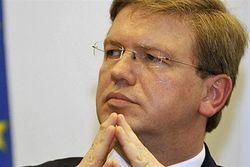 Фюле восхищен Януковичем, а президент Европарламента не понимает его