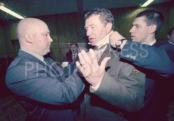 Жириновский «перекрасит» свою партию из «фашистских» цветов в имперские