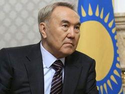 Назарбаев обещает спасти банки Казахстана от банкротства, а тенге на форексе от обвала