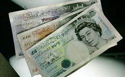 Фунт корректируется к курсу доллара на 0,32% на Форекс у максимума 2014 года 1,6821