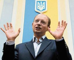 Яценюк ответил на вопросы журналистов в прямом телеэфире