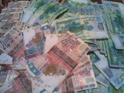 Курс тенге укрепился к фунту, но снизился к франку