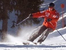 Михаэль Шумахер на горнолыжной трассе