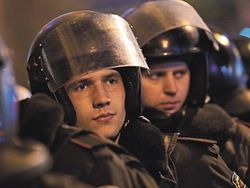 В Киевраде активисты ждут штурма спецназа, лишних выводят из здания