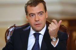 Медведев прогнозирует гражданскую войну в Украине