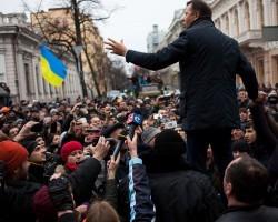 В Украине прекращают все выплаты за исключением зарплат