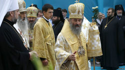 В Киеве состоялась интронизация главы УПЦ МП Онуфрия