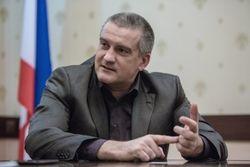 Крым не Абхазия, он вольется в состав России за год – Аксенов