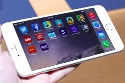 Сгибание корпуса при слабом нажатии — очередной дефект Apple iPhone 6 Plus