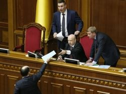 Итоги первого месяца новой украинской власти
