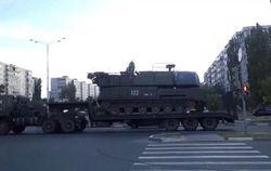 Россияне снимают и выкладывают в Сеть видео, как к границе везут «Буки»