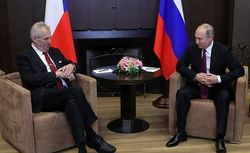 Путину приходится ставить на второстепенных западных политиков