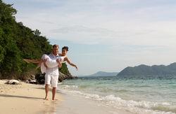 Туристам: Где безопасно и недорого встретить Новый год за границей