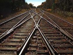 Под Донецком подорвали состав и железную дорогу