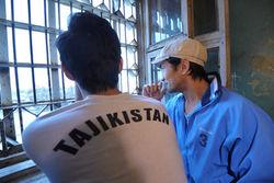Медведев запретил въезд в Россию гражданам Таджикистана с нацпаспортами
