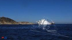 Затонувший лайнер Costa Concordia останется на месте крушения до середины 2014 года - причины